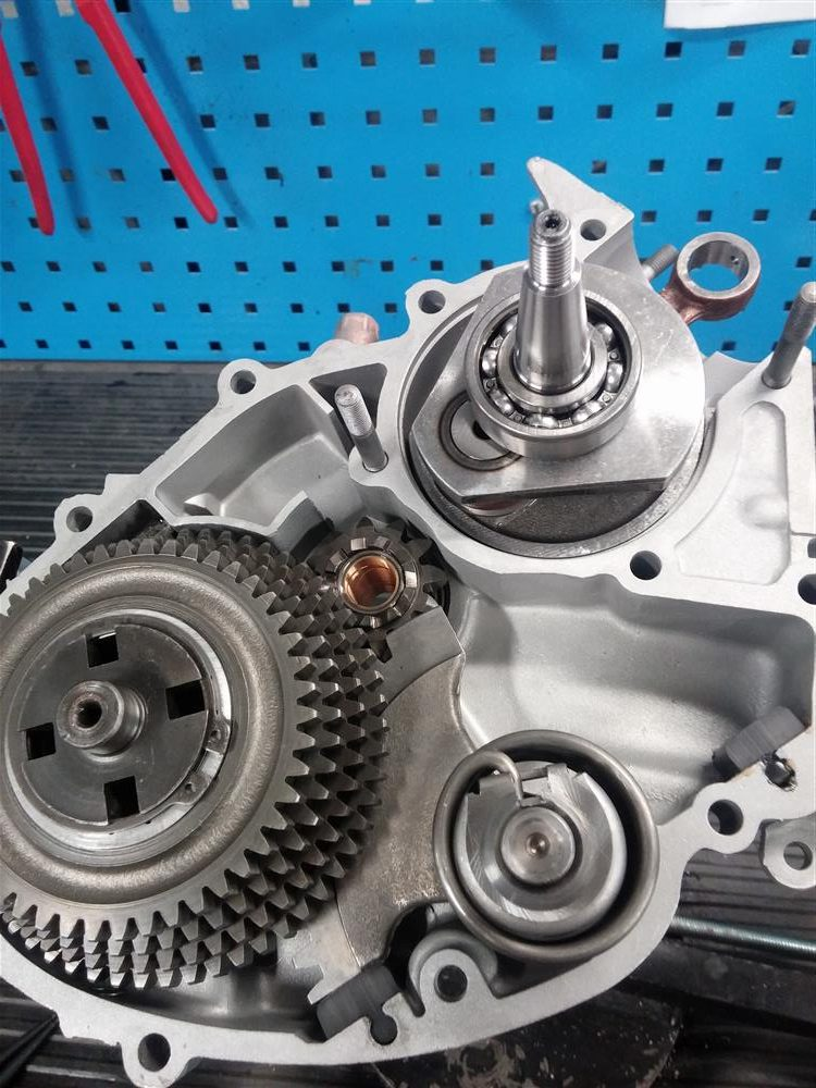 offener vespa v50 Motor ohne rechtes Motorgehäuse