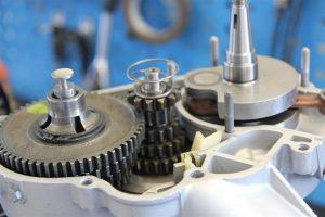 offener Vespa Px Motor ohne rechte Motorhälfte