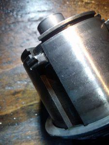 verschlissene Schaltklaue an einer Vespa PK 50
