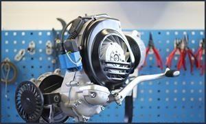 revidierter Largeframe Motor aus einer Vespa PX 125 welcher mit glasperlen gestrahlt wurde