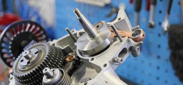 Offener Vespa Smallframe Motor der vorbereitet ist für die Revision