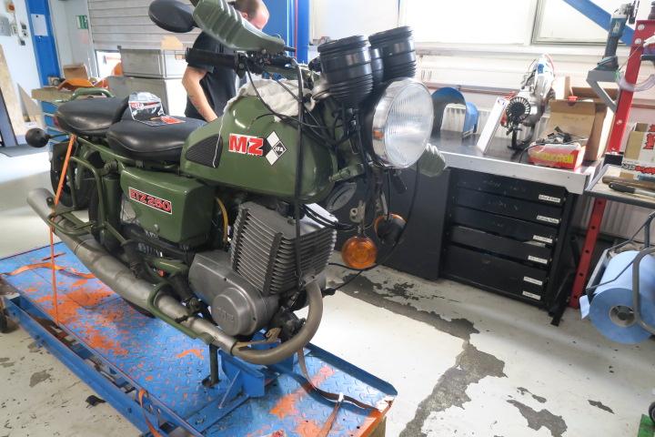 Fahrzeug MZ ETZ 250 Lenkkopflager tauschen