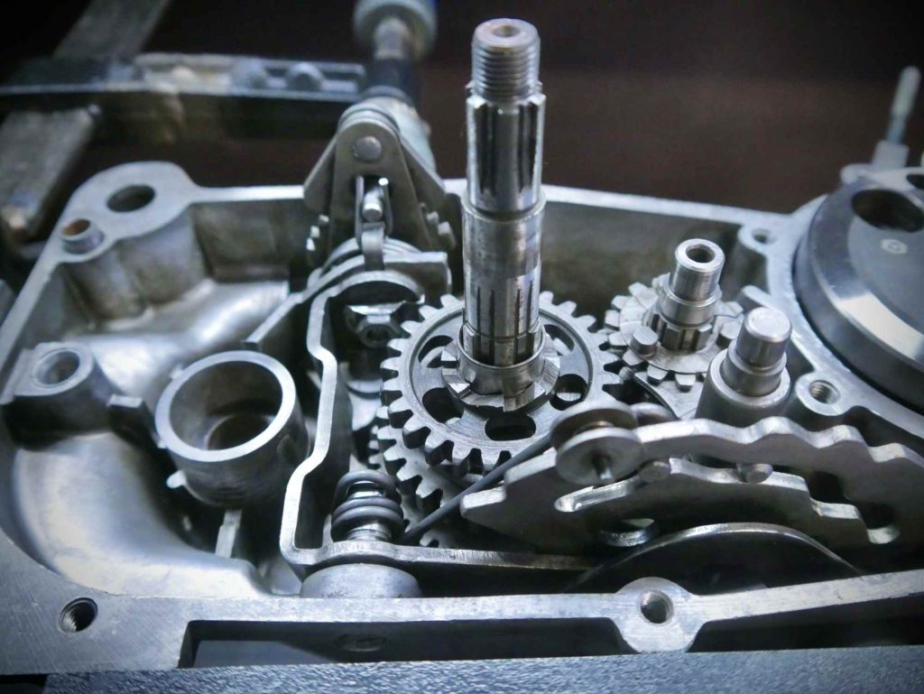 4 Gang Getriebe halb eingebaut am Simson Habicht SR4-4 Motor