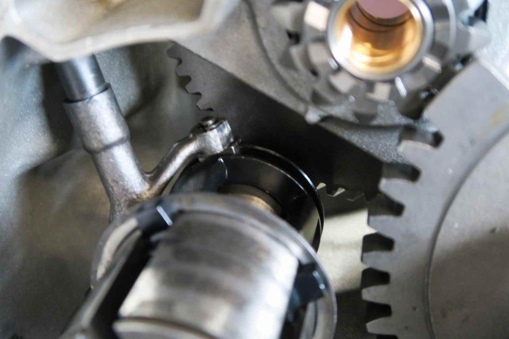 Abtriebswelle Antriebswelle Vespa V50 eingebaut mit neuer Schaltklaue