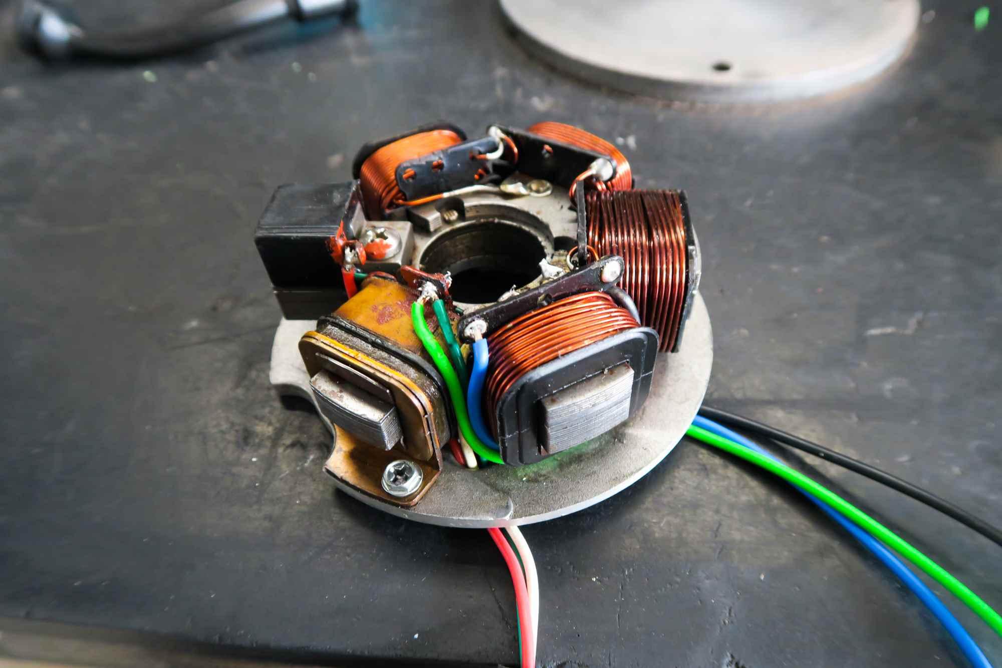 Neue Kabel an Ducati Elektronikzündung für Vespa PK50