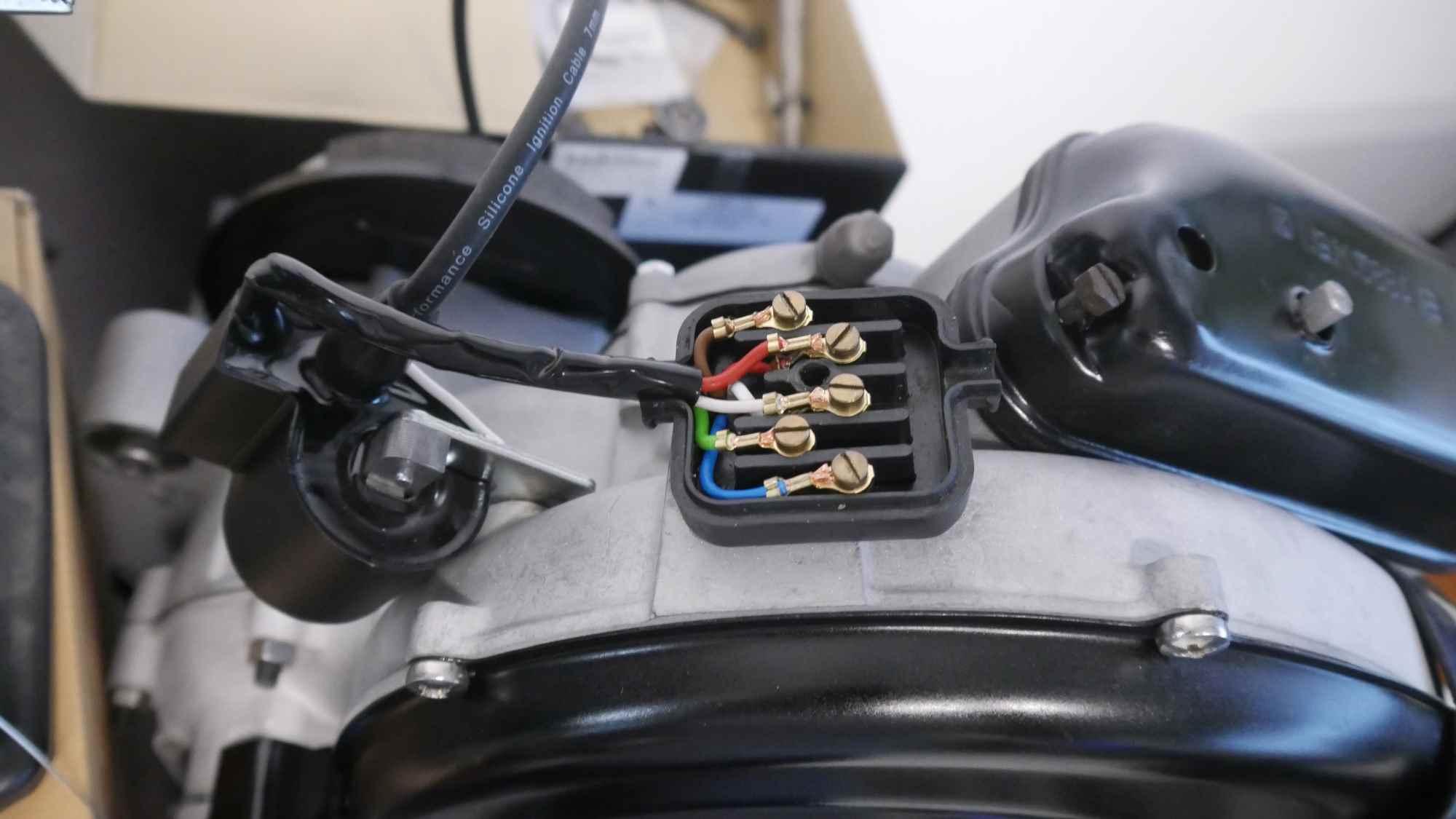 Vape Zündung neu verkabelt Vespa GTR 125 Motor