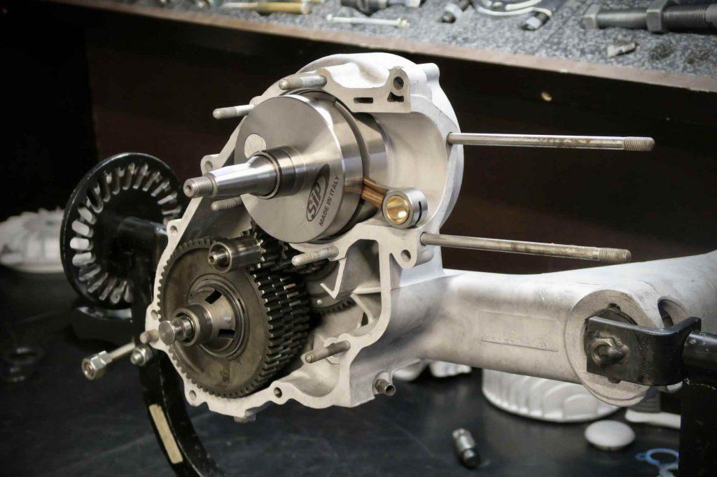 Vespa 160 GS Motor offen mit Getriebe und Kurbelwelle