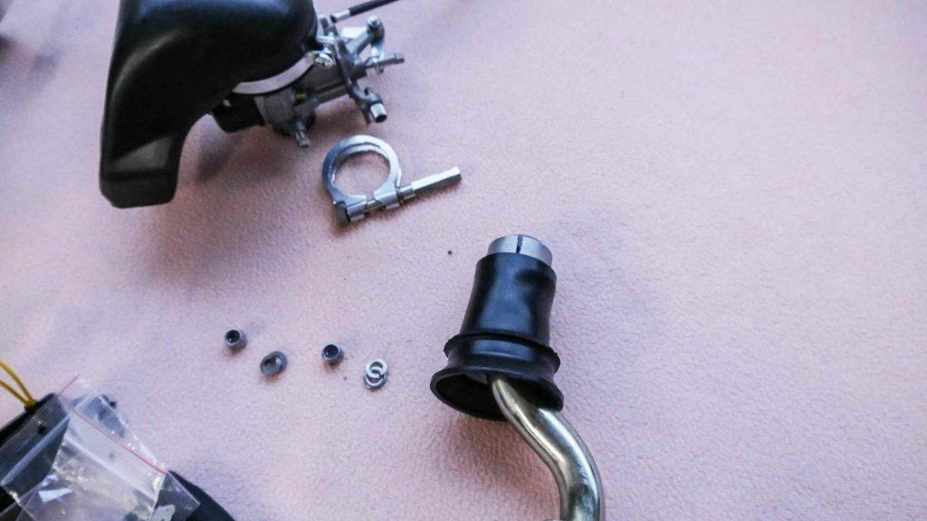 Ansaugstutzen und Vergaser einer Vespa V50