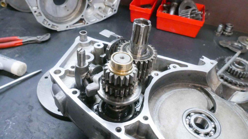 Getriebe komplett mit Schaltarretierachse MZ RT 125