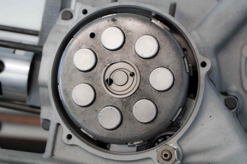 Kupplungspaket Vespa PX200 im Motor