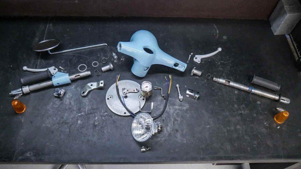 Lenker Vespa V50 demontiert in Einzelteilen