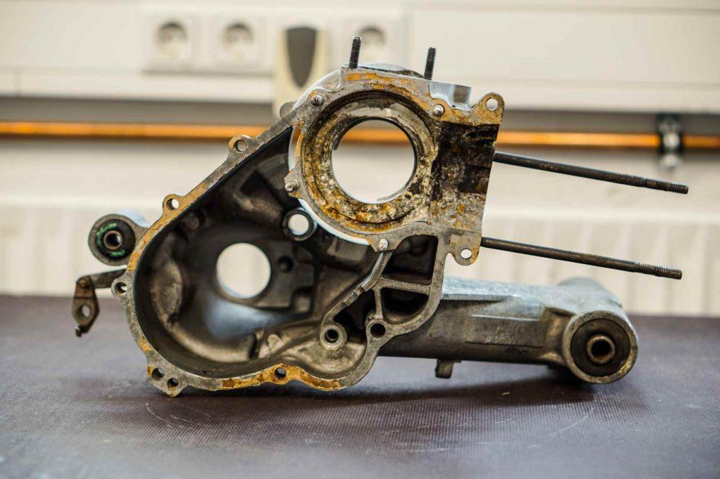Motorgehäuse PX200 vor der Revision mit Rostschäden