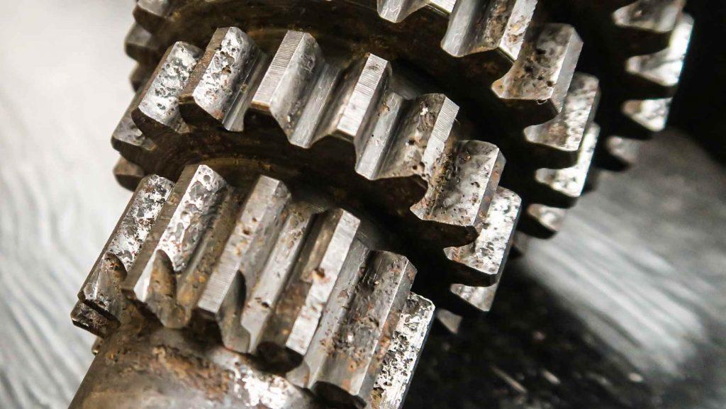 Rostfras an der alten Nebenwelle Vespa VBB Motor