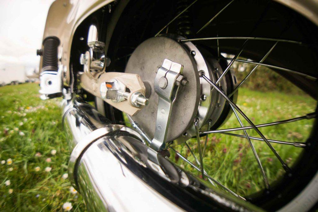Bremse hinten Schwinge Kettenspanner Simson Schwalbe KR51 Restauration