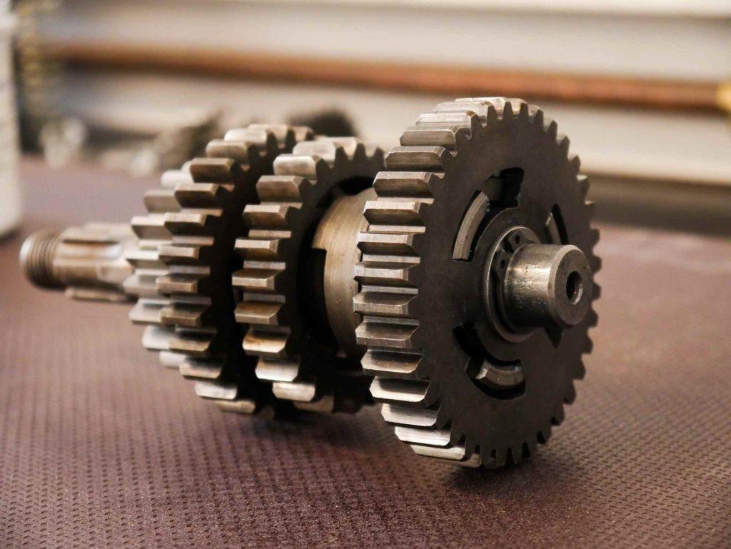 Getriebewelle mit Zahnrädern einer MZ ETZ 250