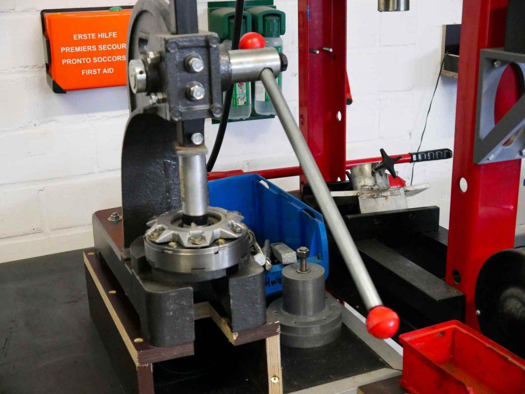Kupplungslager erneuern für eine MZ ETZ 250
