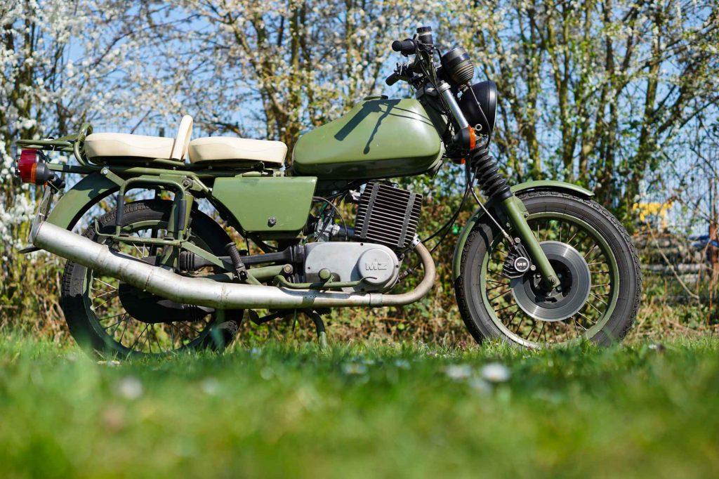 MZ ETZ 250 A NVA grün