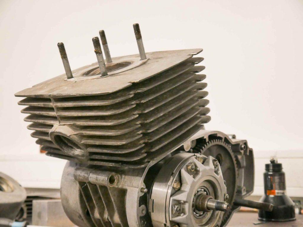 MZ ETZ 250 Motor während der Regeneration