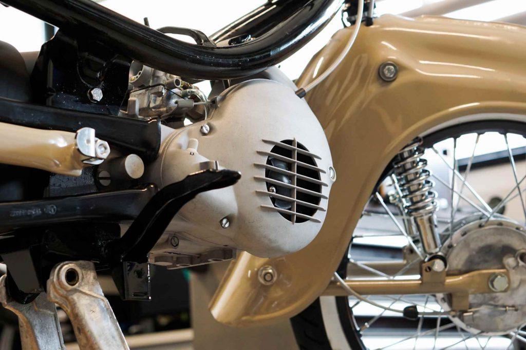 Motor mit Lüfterdeckel während Restauration in Simson Schwalbe KR51