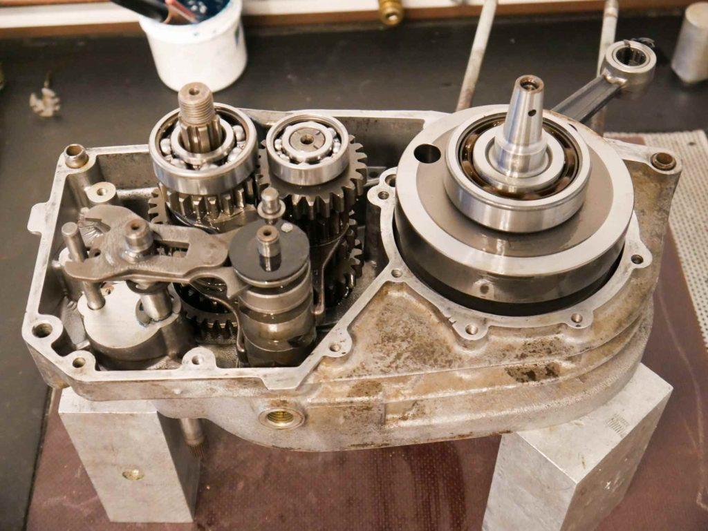 Motorgehäuse ETZ 250 komplett mit Kurbelwelle und Getriebe