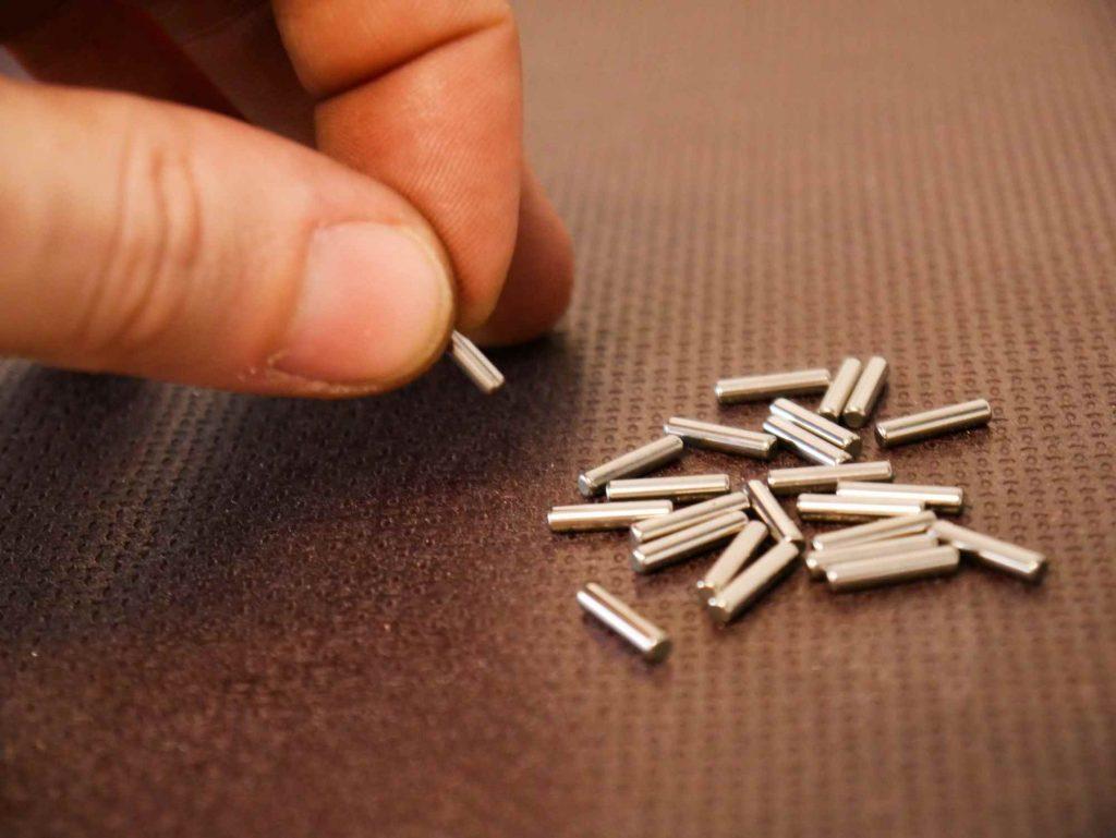 Neue Nadeln für das Getriebe bei der ETZ 250 Motorregeneration