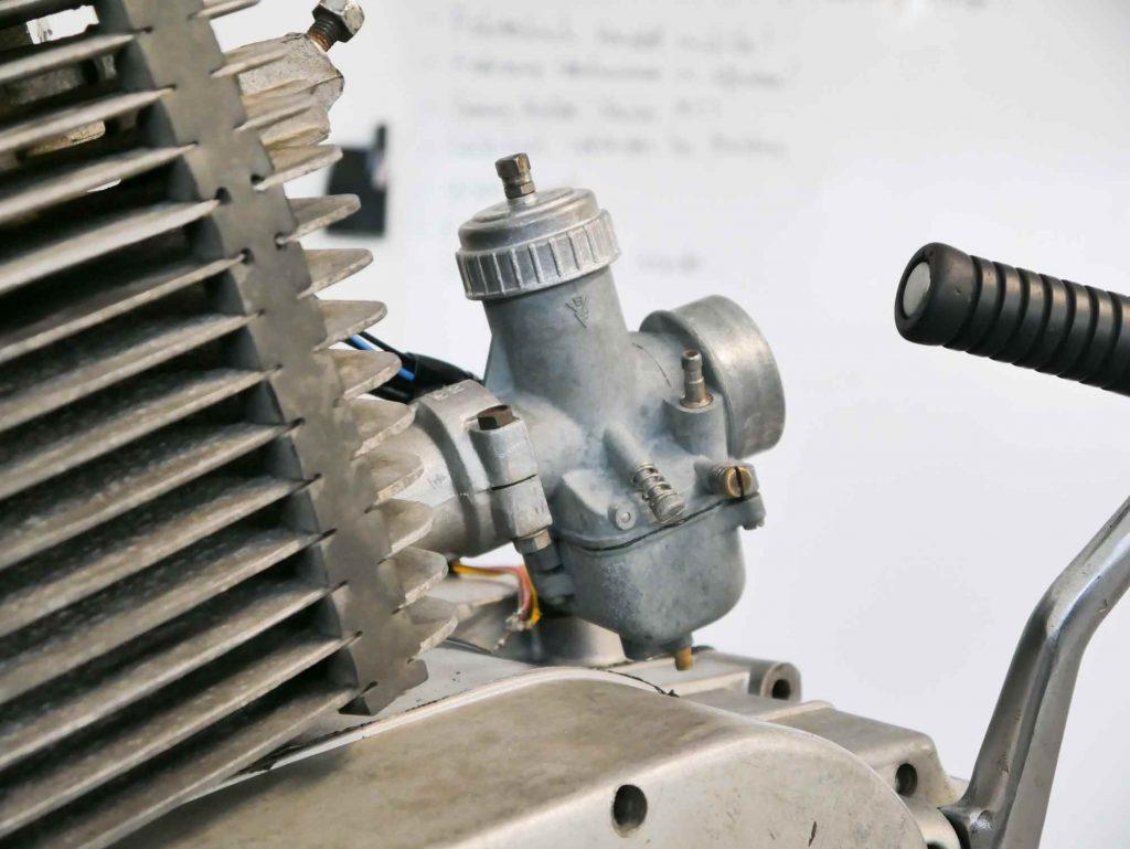 Vergaser BVF 30N3 Vergaser am ETZ 250 Motor