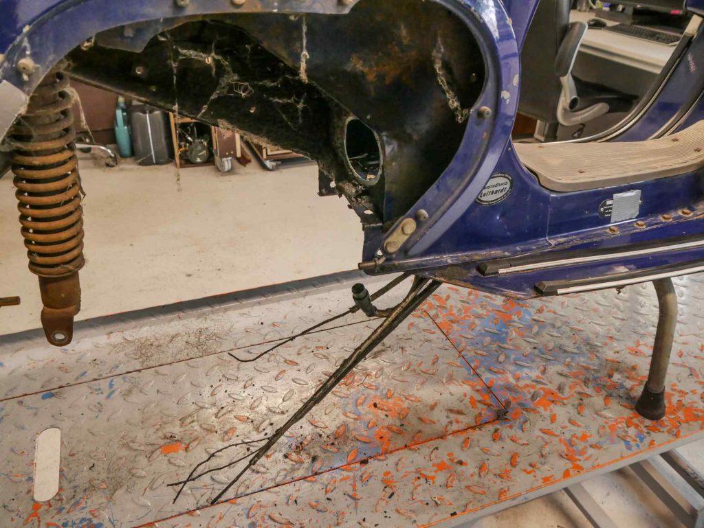 Blaue Vespa PK 50 ohne Motor