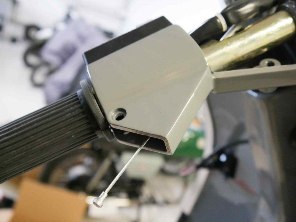 Bremszug am Lenker im Griff einbauen Vespa PK 50