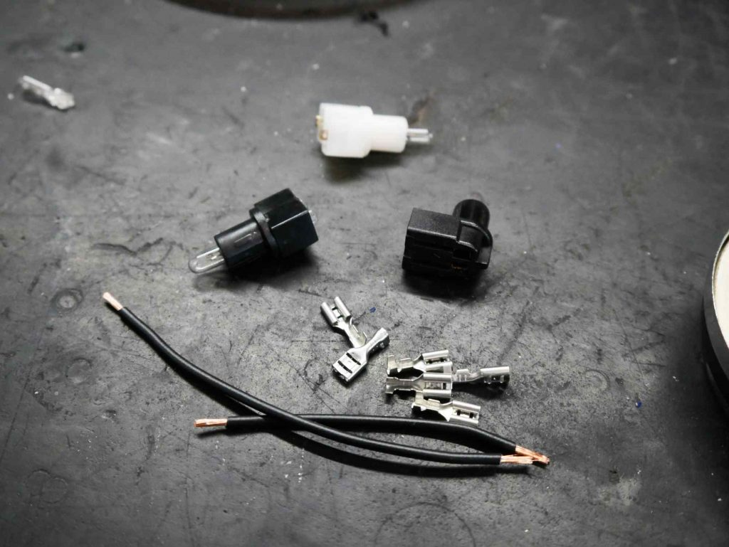 Fassung Kabel und Kabelschuhe für Kontrollleuchten Vespa PK 50