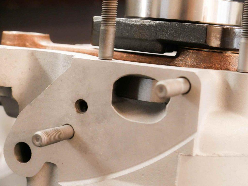 Kurbelwelle und Drehschieber dichten perfekt beim Vespa Motor überholen