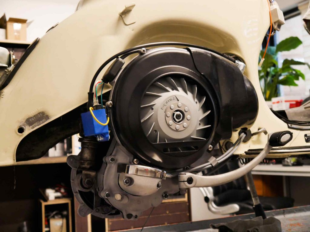 Motor eingebaut in Vespa TS 125