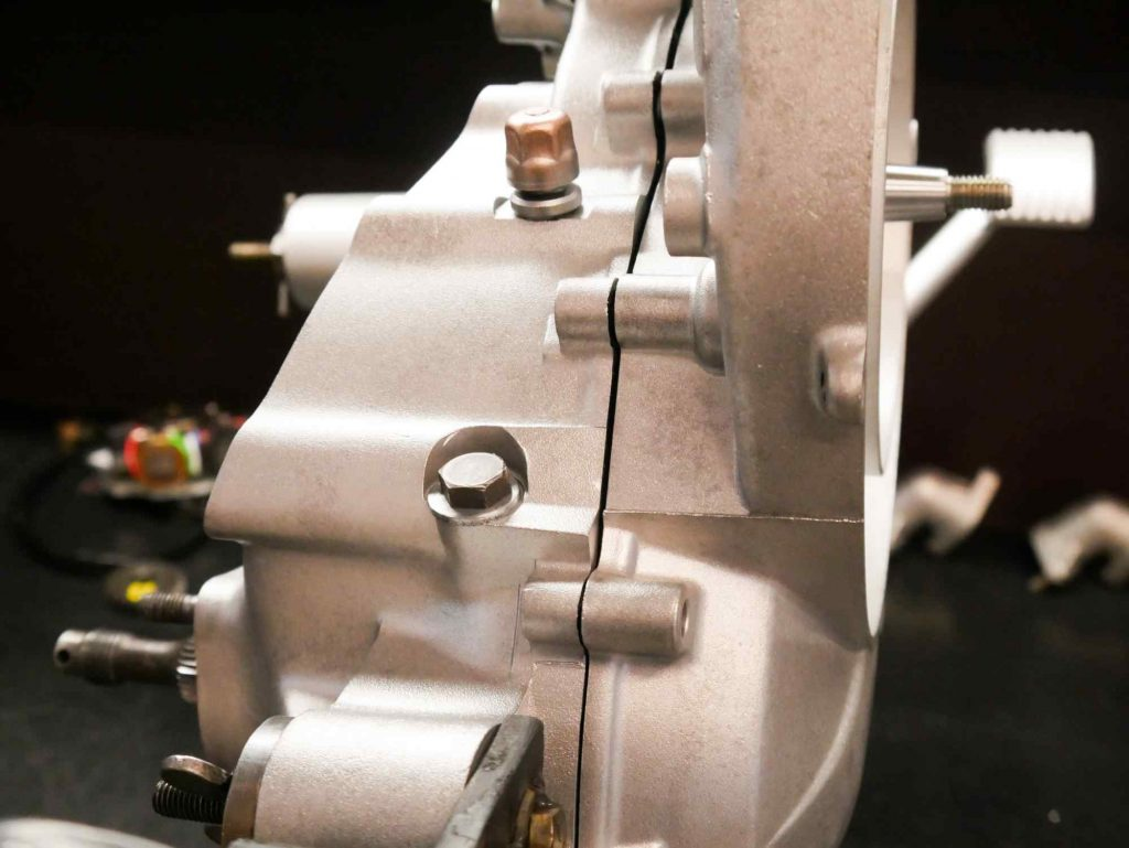 Motorgehäuse zusammensetzen bei Vespa PK 50 Motorrevision