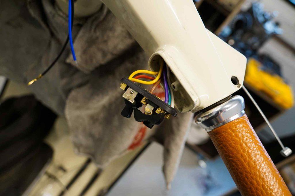 Neuer Lichtschalter für Vespa 125 TS mit Kabeln