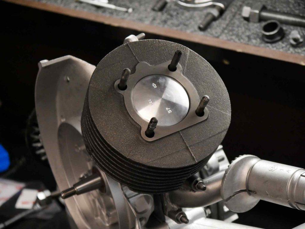 Polini 130 ccm Zylinder auf PK 50 Motor montiert