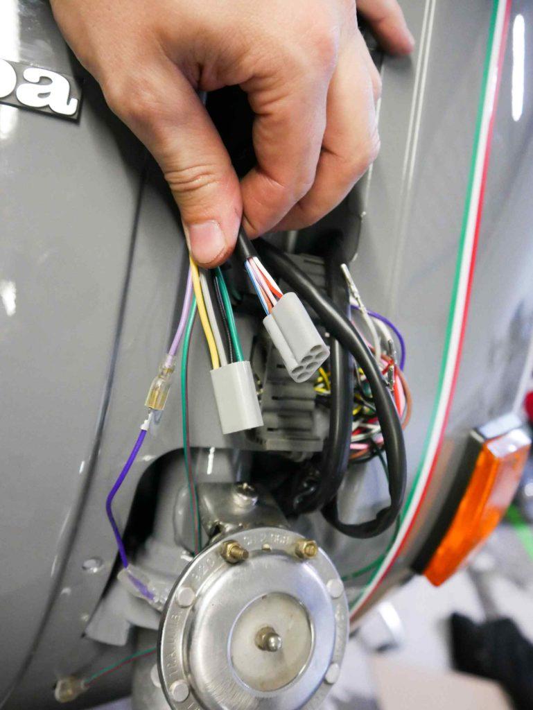 Stecker von Schaltern vom Lenker Vespa PK 50