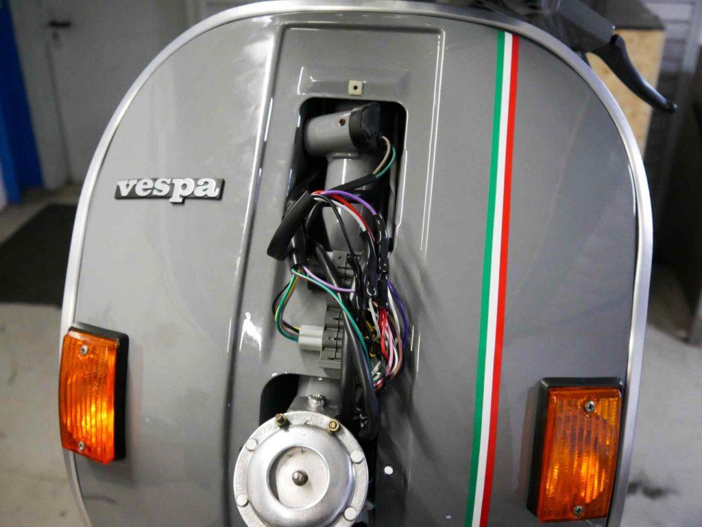 Verkabelung hinter Kaskade Vespa PK 50