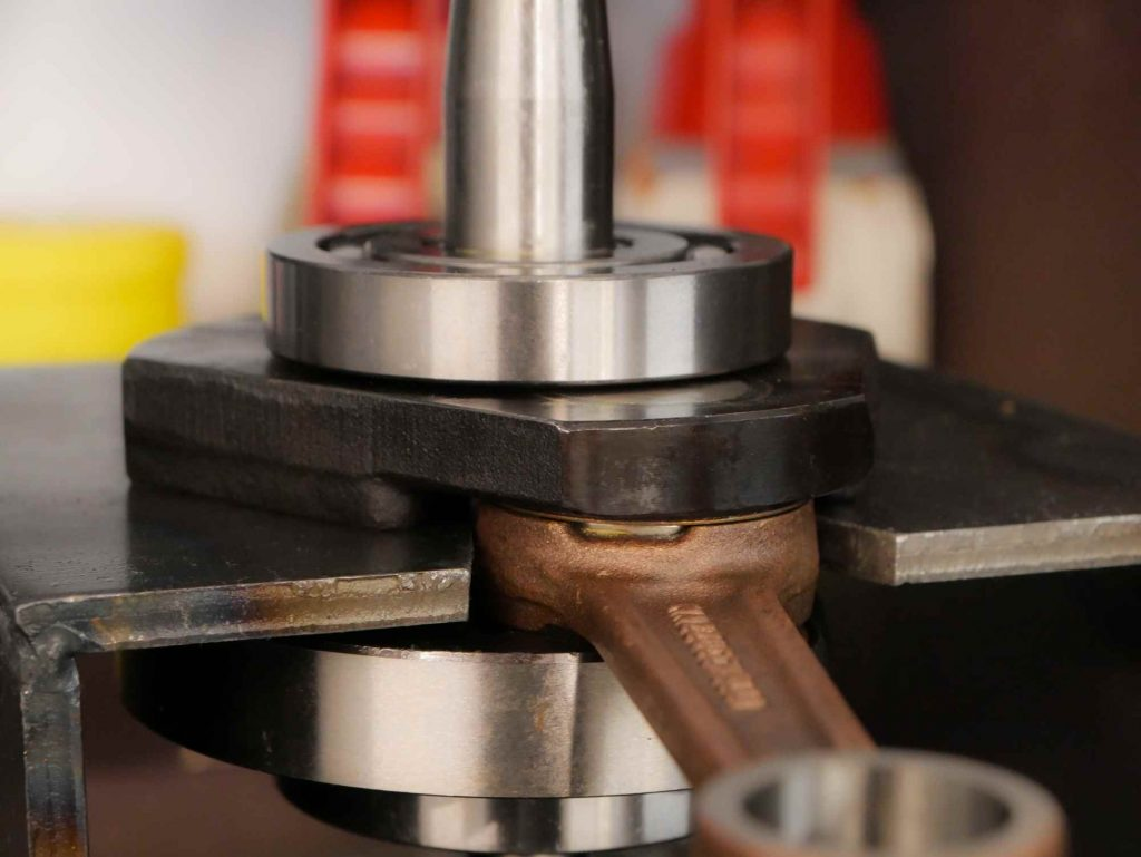 Vespa Motor überholen mit neuer Kurbelwelle