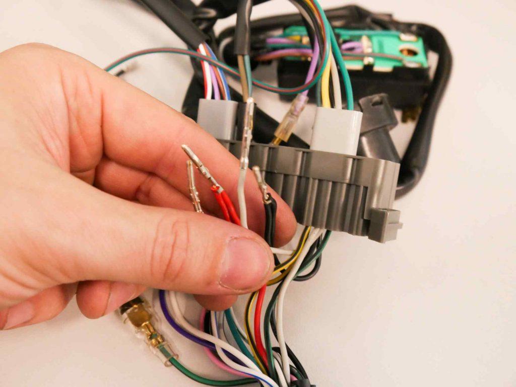 Vespa PK 50 Kabel anpassen für Kontrolleuchten