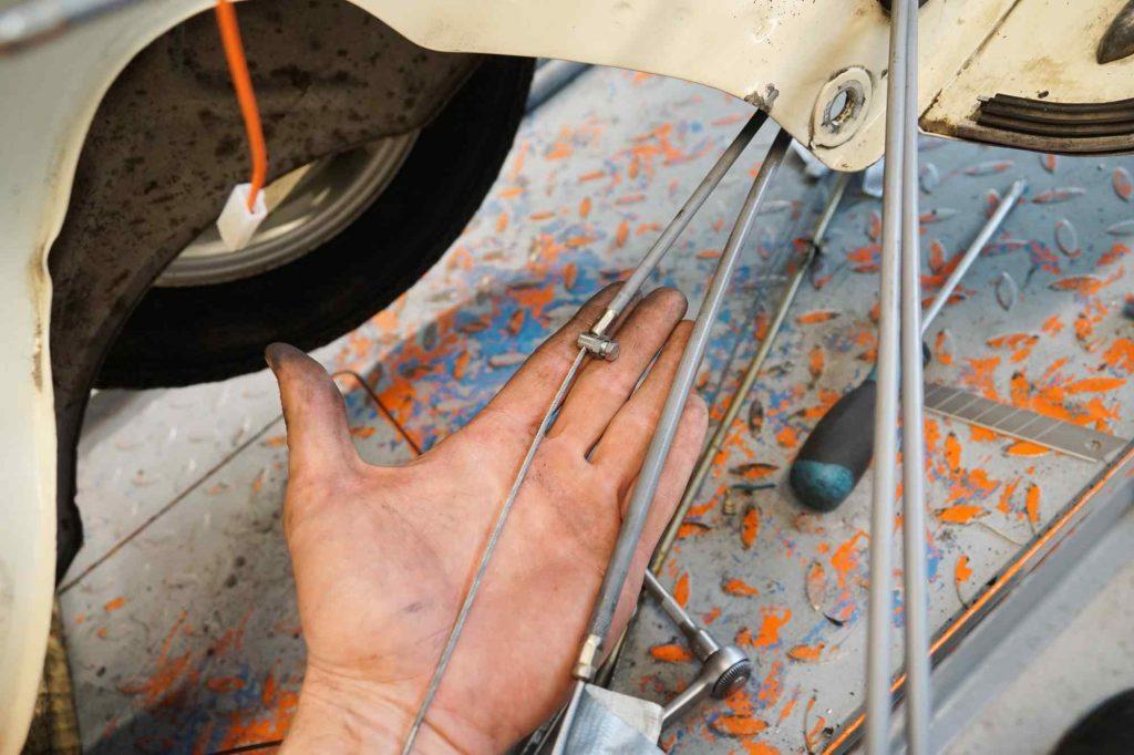 Vespa TS 125 neue Seilzüge eingezogen