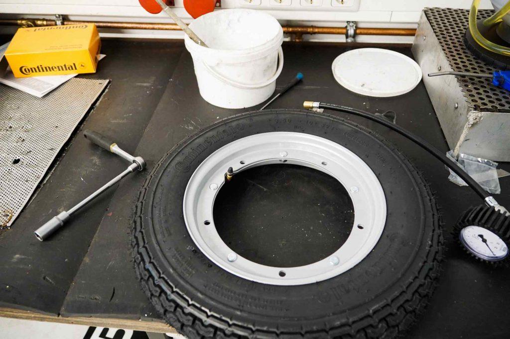 Vespa TS 125 neuer Reifen mit neuer Felge