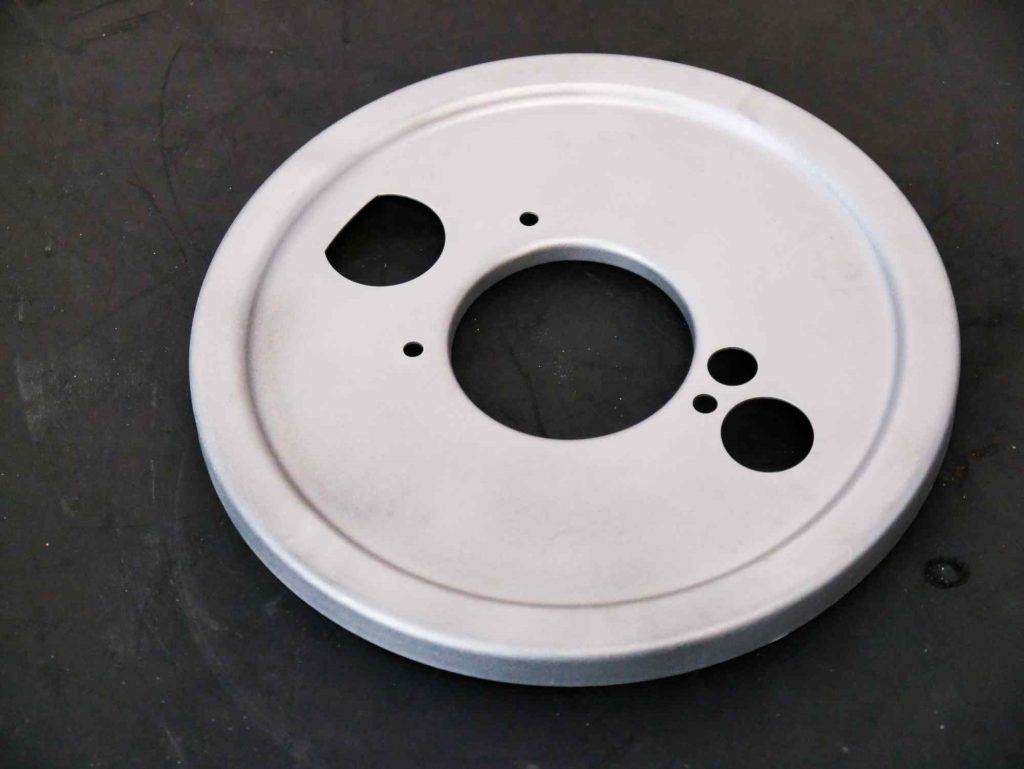 Staubschutz Bremse Vespa GS 4 Schwinge getrahlt mit Glasperlen