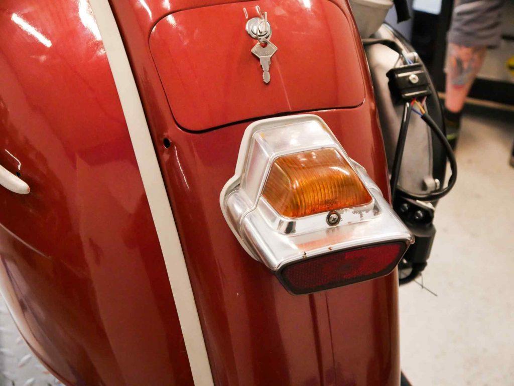 Vespa GS 160 Rücklicht eingebaut