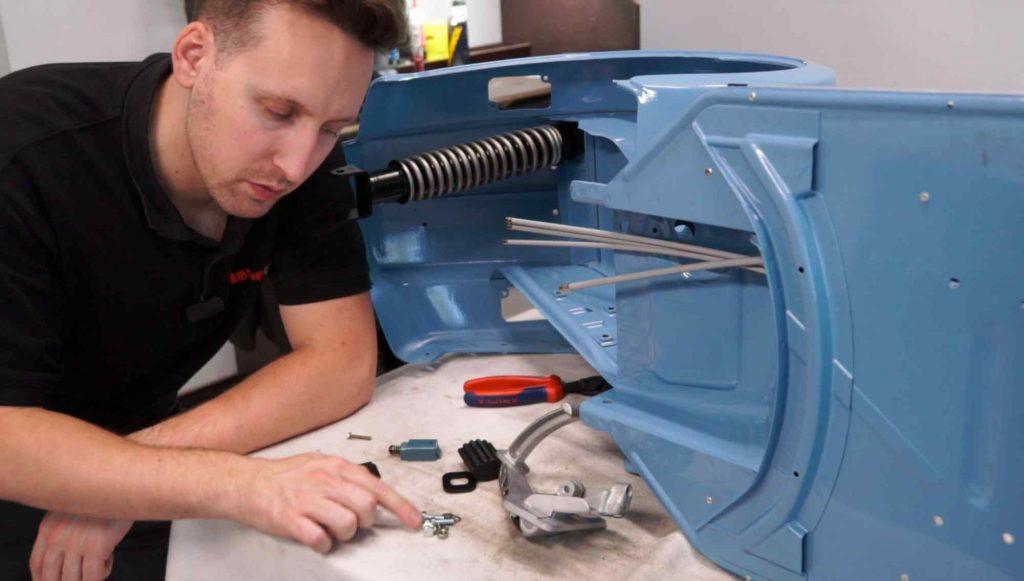 Bremspedal vorbereiten für den Einbau in den Vespa Rahmen