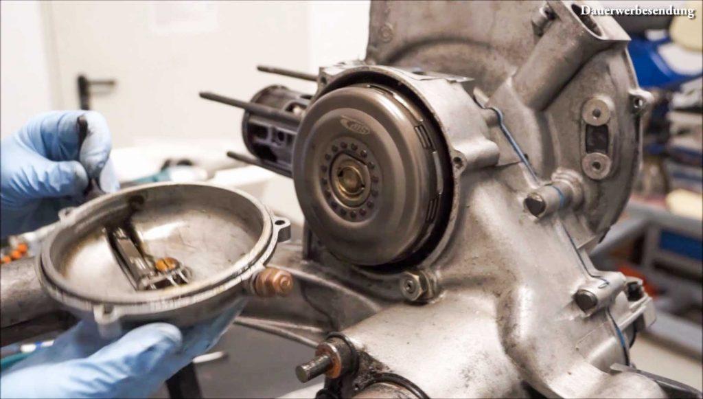 Kupplungsdeckel abnehmen PX 200 Motor Motorschaden