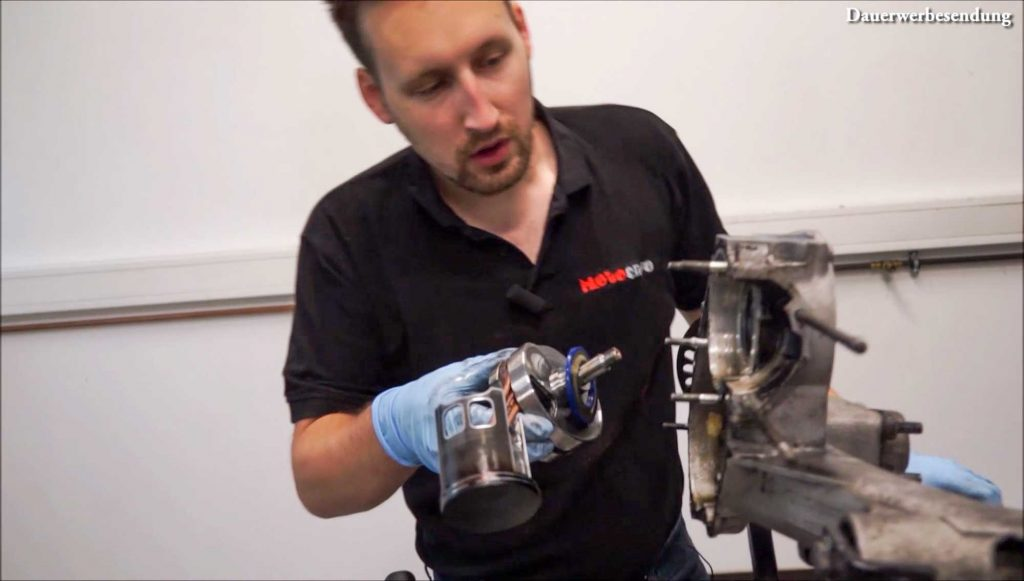 Kurbelwelle herausnehmen austreiben PX 200 Motor Motorschaden