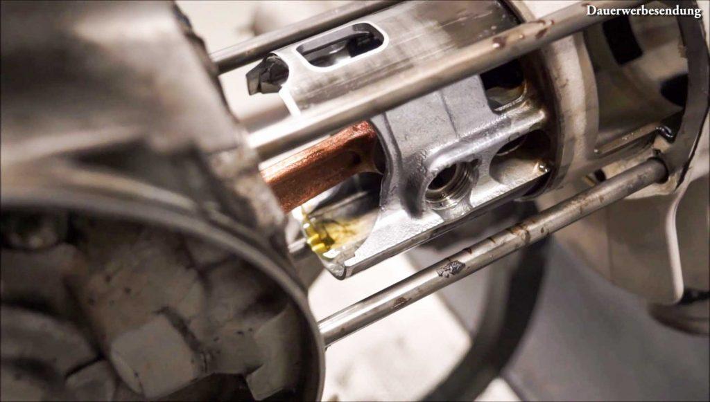 Öl im Kolbenhemd Kolben Malossi 210 PX 200 Motor Motorschaden