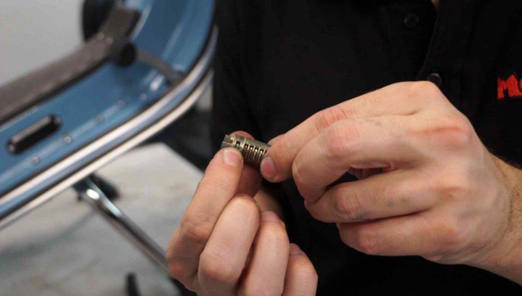 Schließzylinder mit Widerhaken Vespa PK