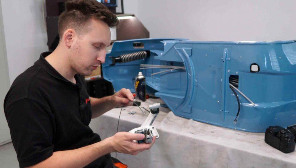 Seilzug an Bremspedal Vespa PK einbauen