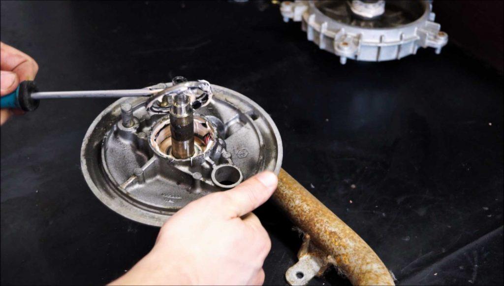 Vespa PK Schwinge Wellendichtring Tachoantrieb ausbauen