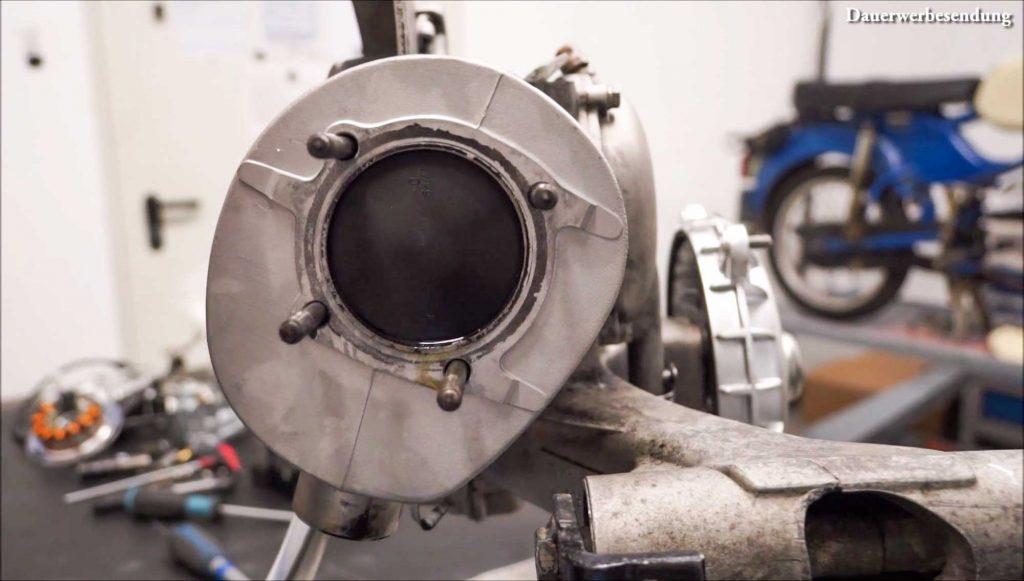 Zylinder Kolben voll mit Öl PX 200 Motor Motorschaden